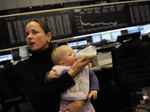 mother-trader-woman-baby-frankfurt-stock-exchange